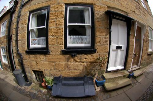 Front of Burton House (fisheye)
